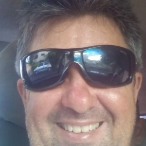 Mauricio Neves, organizador da Peneira, no campo do Grêmio Municipal